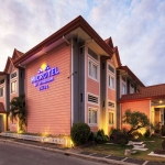 Hotel Microtel Inn And Suites Davao