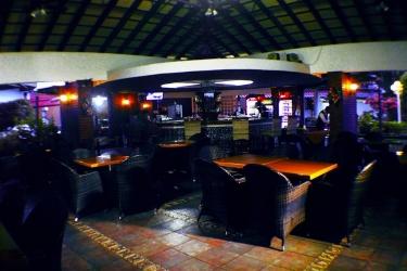 Hotel Gran Nacional: Bar de la piscine DAVID