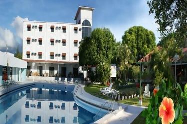 Hotel Gran Nacional: Piscine chauffée DAVID