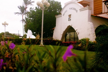 Hotel Gran Nacional: Hotel front DAVID