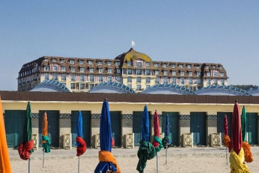 Hotel Barrière Le Royal Deauville: Außen DEAUVILLE