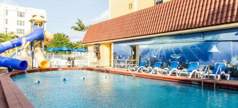 Hotel Comfort Inn Oceanside: Swimming Pool DEERFIELD BEACH (FL)