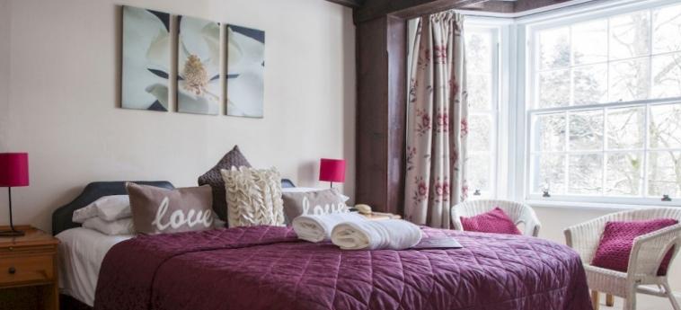 The Tormaukin Hotel: Cour de Recreation DOLLAR