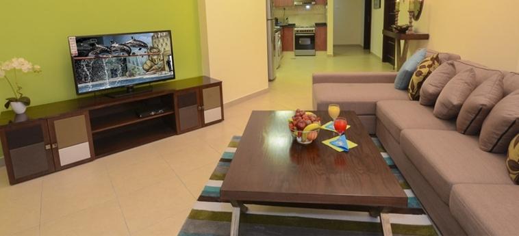Al Waleed Palace Hotel Apartments - Al Barsha: Living Room DUBAI