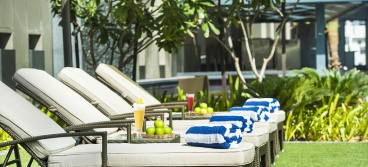 Hotel Damac Maison Cour Jardin: Solarium DUBAI