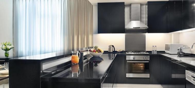 Hotel Damac Maison Cour Jardin: Cucina DUBAI
