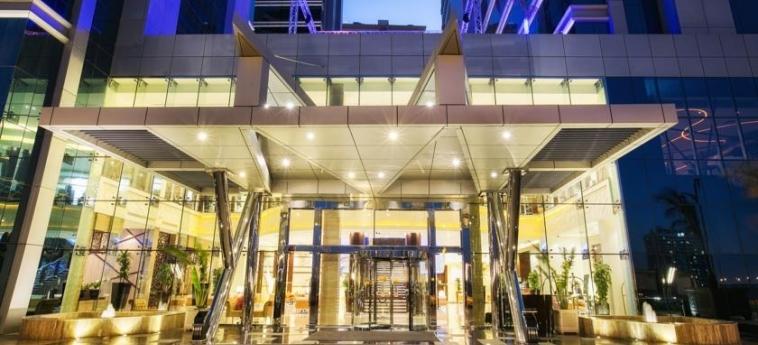 Ghaya Grand Hotel: Entrée DUBAI