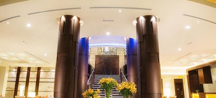 Ghaya Grand Hotel: Escalier DUBAI