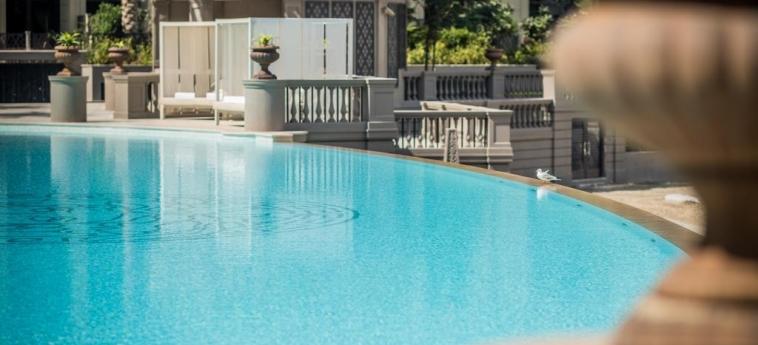 Hotel Palazzo Versace Dubai: Piscina DUBAI