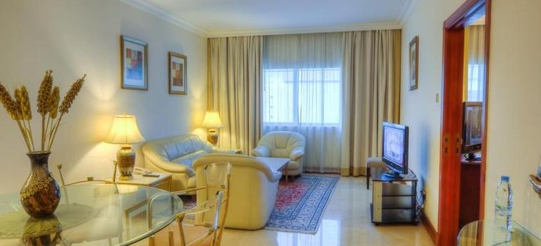 Excelsior Hotel Downtown: Living Room DUBAI