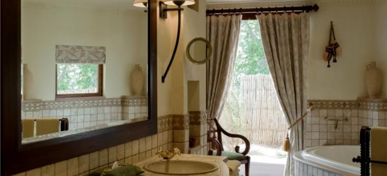 Hotel Al Maha, A Luxury Collection Desert Resort & Spa, Dubai: Bathroom DUBAI