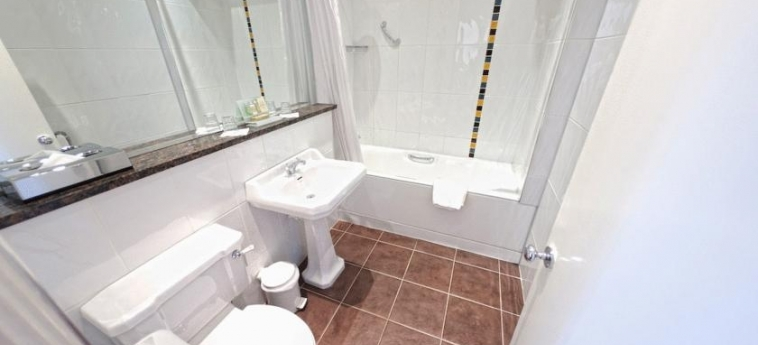 Hotel Riu Plaza The Gresham Dublin: Bathroom DUBLIN