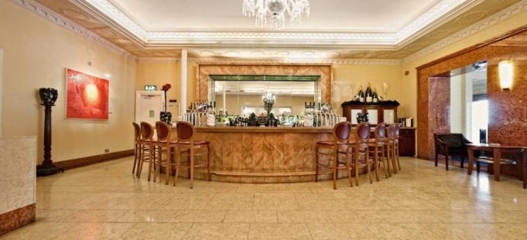 Hotel Riu Plaza The Gresham Dublin: Indoor Bar DUBLIN