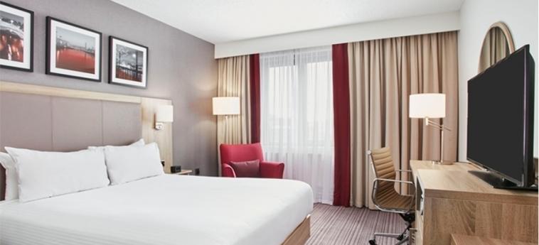 Hilton Garden Inn Dublin Custom House: Habitaciòn Doble DUBLIN