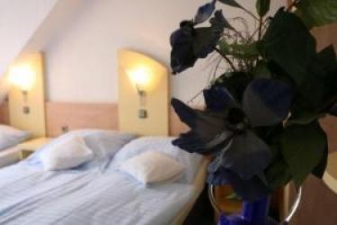 Hotel Am Wehrhahn: Doppelzimmer - Twin DUESSELDORF