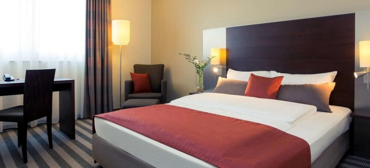 Mercure Hotel Duisburg City: Schlafzimmer DUISBURG