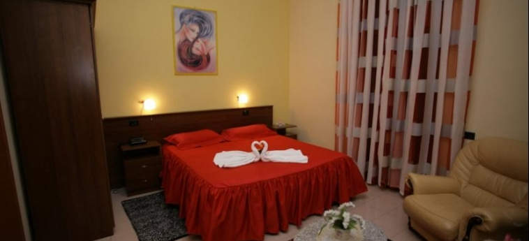 Hotel Nais: Room - Double DURRES