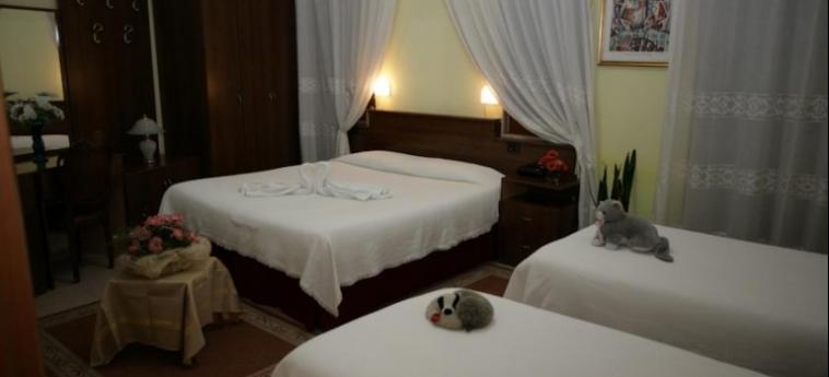 Hotel Nais: Room - Triple DURRES