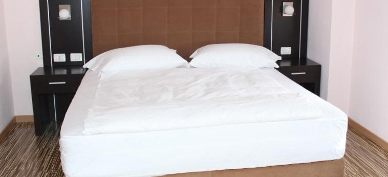 Hotel Nais Beach: Habitaciòn Doble DURRES