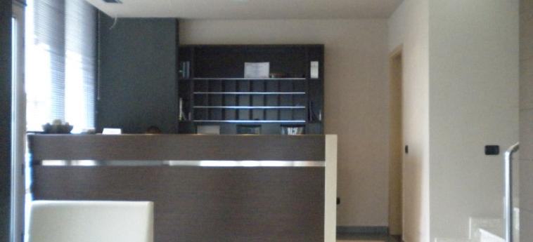 Hotel Nais Beach: Recepción DURRES