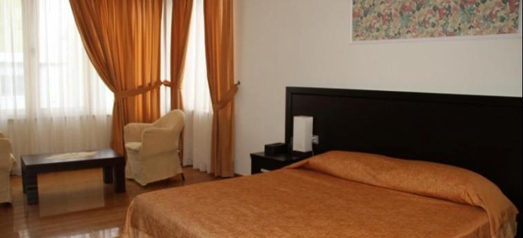 Hotel Leonardo: Chambre Double DURRES