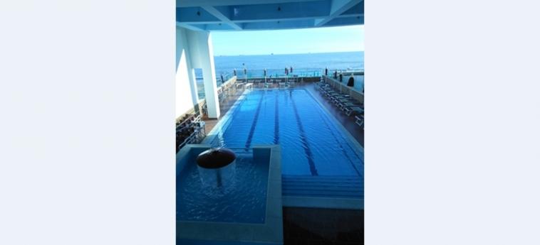 Hotel Vivas: Außenschwimmbad DURRES