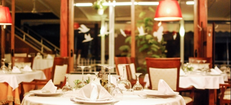 Hotel Vivas: Dining Area DURRES