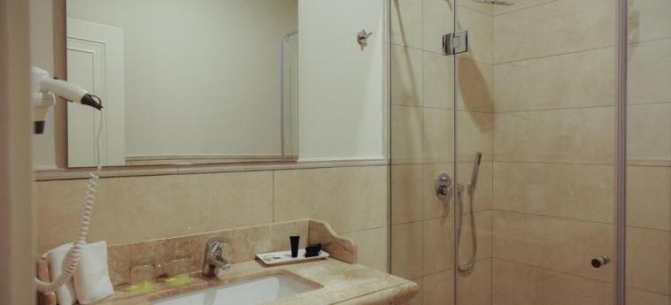 Hotel Amfiteatri Boutique : Bathroom DURRES