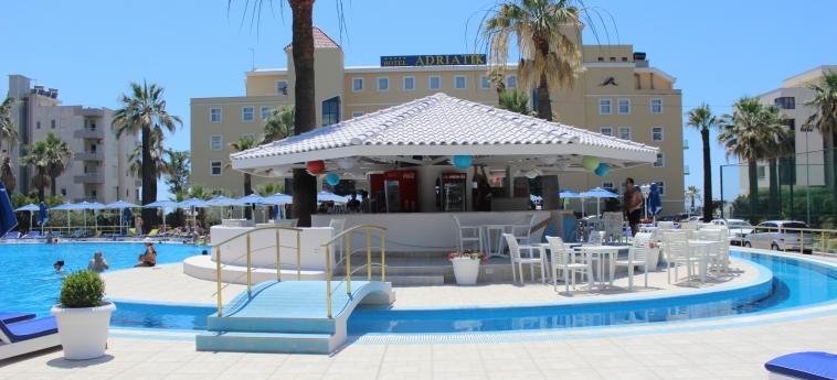 Hotel Adriatik: Bar de la piscine DURRES