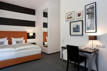 Hotel The Homy Inn: Chambre Double DUSSELDORF