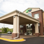 HOLIDAY INN EXPRESS & SUITES 2 Sterne