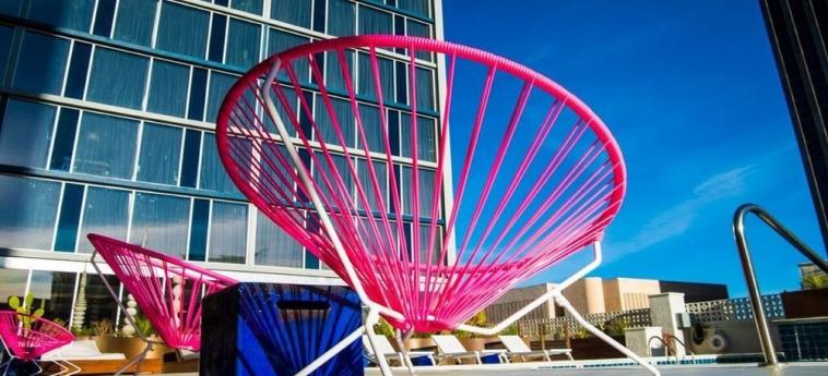 Hotel Indigo El Paso Downtown: Frente Hotel EL PASO (TX)
