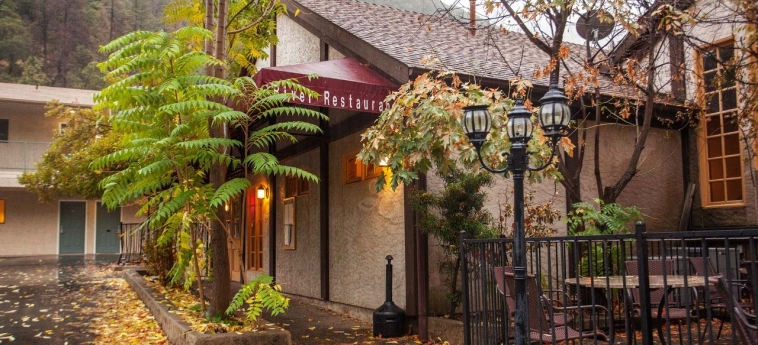 Hotel Yosemite View Lodge: Vista giardino EL PORTAL (CA)