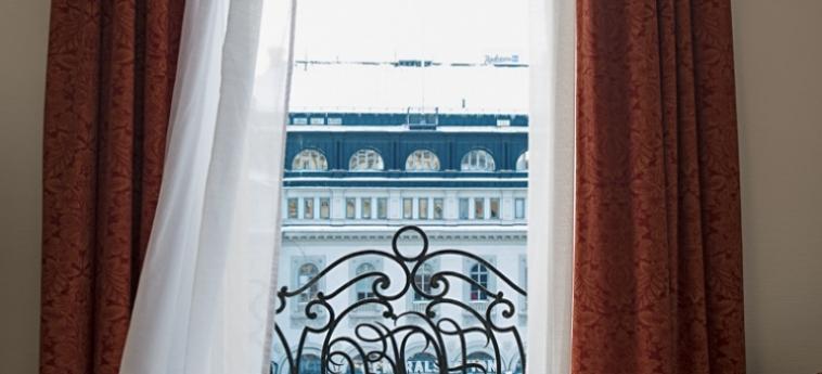 Hotel Terminus: Balcony ESTOCOLMO