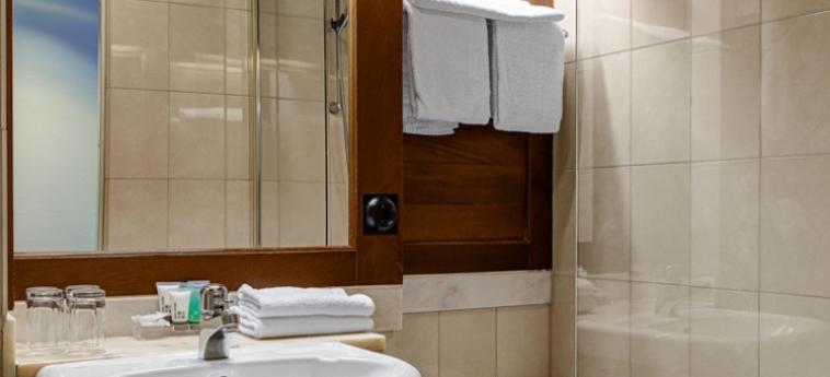 Hotel Terminus: Cuarto de Baño ESTOCOLMO