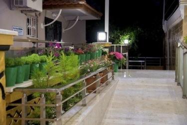 Hotel Kayi : Außen Platz FETHIYE