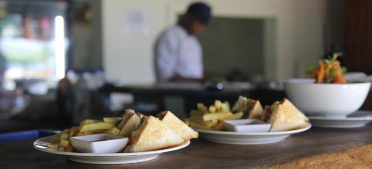 Hotel Bamboo Backpackers: Bebida y comida FIJI ISLAND