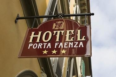 Hotel Porta Faenza: Exterior FLORENCIA