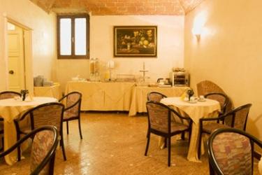 Hotel Porta Faenza: Sala de Desayuno FLORENCIA
