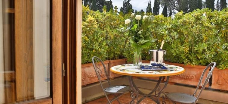 Hotel Villa Gabriele D'annunzio: Balcony FLORENCIA