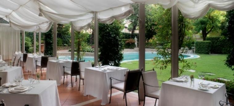 Hotel Sina Villa Medici, Autograph Collection: Außen Restaurant FLORENZ