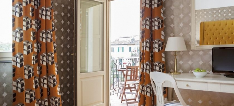 Hotel Room Mate Luca: Terrasse FLORENZ