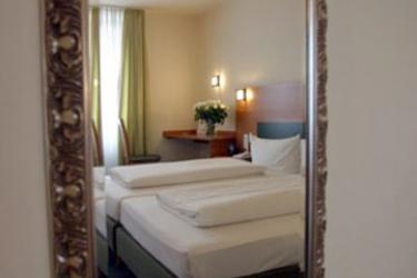 Hotel Memphis: Room - Guest FRANCFORT