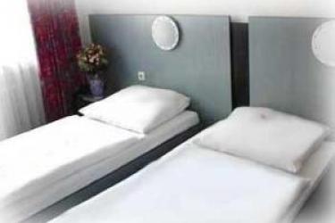 Hotel Diplomat: Twin Room FRANKFURT