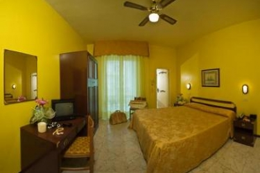 Hotel Maremonti: Habitaciòn Doble GABICCE MARE - PESARO URBINO