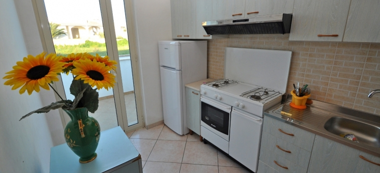 Hotel Residence Mare Blu: Kitchen GALLIPOLI - LECCE