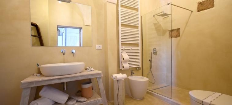 Hotel Palazzo Castriota: Bagno - Suite GALLIPOLI - LECCE