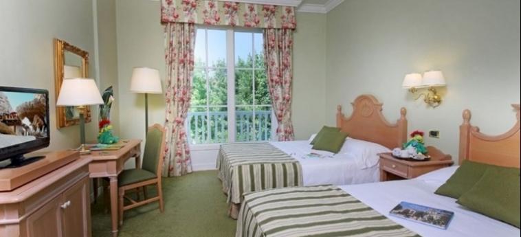 Hotel Gardaland: Habitación de Lujo GARDALAND - CASTELNUOVO DEL GARDA