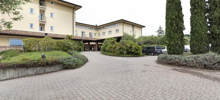 B&b Hotel Affi - Lago Di Garda: Außen GARDASEE
