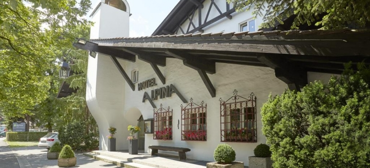 H+ Hotel Alpina Garmisch-Partenkirchen: Entrada GARMISCH - PARTENKIRCHEN